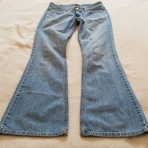 Levi Signature jeans low slim flare Style, size 3